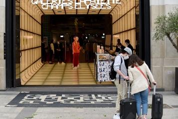 Les Galeries Lafayette rouvrent samedi)