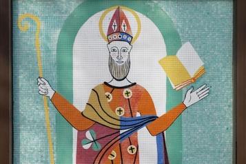 Le St-Patrick de Pellan va rester à Granby)