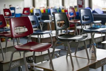 Des employés de soutien scolaire en grève au début de juin)