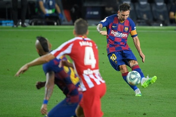 Un 700e pour Messi, mais les espoirs de titre du Barça presque enterrés)