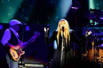 Fleetwood Mac réintègre le Billboard)