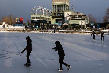 Le patinage victime de la pandémie au Vieux-Port)