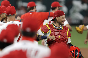 La série Cubs-Cardinals reportée en raison de cas de COVID-19)