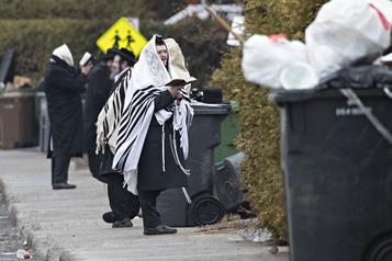 Boisbriand: des juifs manifestent contre leur confinement