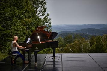 Entrevue avec YannickNézet-Séguin: «C'est le piano qui m'a sauvé!» )