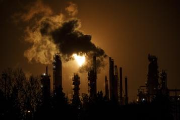 Changement climatique Ottawa poursuivi par 15 jeunes)
