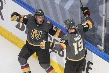 Reilly Smith fait gagner Vegas en prolongation)