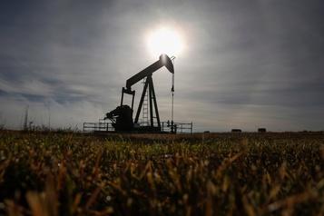 Le pétrole en repli après la hausse des stocks de brut américains