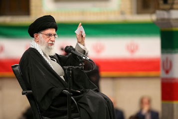 L'Iran interdit 7200candidats, mais voter est un «devoir religieux», dit l'ayatollah