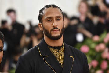Colin Kaepernick soutient les manifestants de Minneapolis)