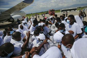 Expulsés des États-Unis Les migrants haïtiens retrouvent un pays incapable de les accueillir)