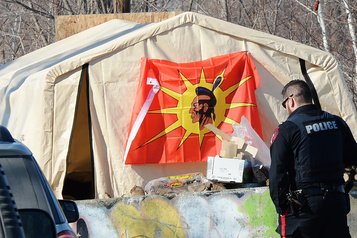 Kahnawake offre aux Wet'suwet'en ses Peacekeepers
