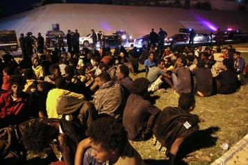 Évasion de 2000migrants d'un centre de détention En Libye, des migrants «humiliés» qui ne demandent qu'à partir