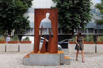 Russie Un monument rendant hommage aux coursiers érigé à Moscou)