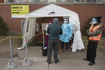 Première vague La COVID-19 six fois plus mortelle que la grippe)
