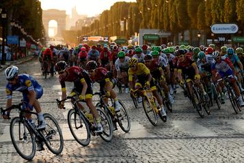 Tour de France: public limité à 5000spectateurs sur les Champs-Élysées)