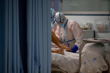 Bilan de la pandémie dans le monde Plus de 1126400morts de la COVID-19)