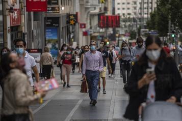 Débordée par le coronavirus, Madrid prépare de nouvelles restrictions)