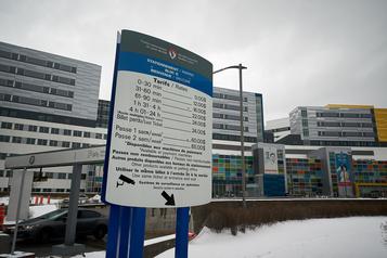 Moins cher pour se stationner dans les hôpitaux et les CHSLD