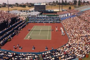 Retour sur le tennis québécois: le centre national de Montréal, un pari osé)