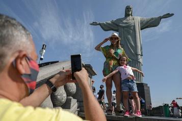 Le Christ de Corcovado rouvre au public à Rio)