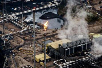 Ottawa doit réduire l'exploitation des sables bitumineux, ditun institut albertain
