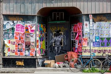 Québec impose de lourdes amendes à de petits commerçants du Mile End