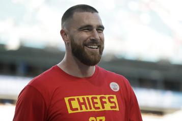 Prolongation de contrat de quatre ans Travis Kelce avec les Chiefs)