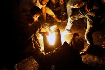 Liban: un homme tente de s'immoler par le feu en pleine manifestation