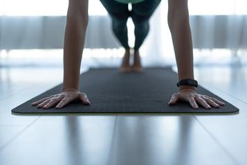 Du yoga privé sans sortir de chez soi)