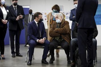 Confinement COVID-19 Macron demande aux Français de «tenir» encore «4 à 6semaines» )