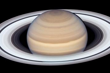 Une nouvelle vidéo de Saturne