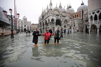 Venise sous les eaux: des «dégâts apocalyptiques»