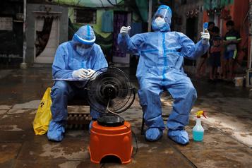 COVID-19: Bolsonaro contracte le coronavirus, les États-Unis quittent l'OMS)