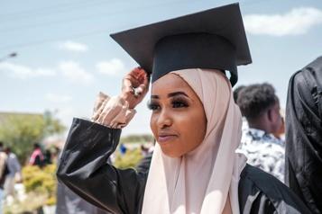 Somaliland Fiers mais isolés, les jeunes diplômés veulent croire en l'avenir de leur patrie