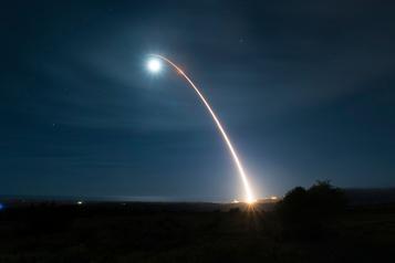 Les États-Unis ont testé avec succès un missile intercontinental)