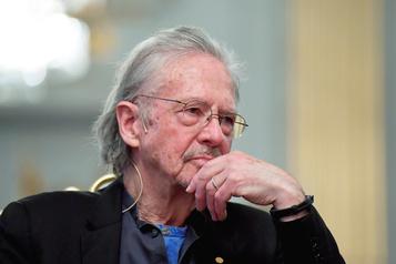 Nobel: Handke esquive la polémiquesur ses positions pro-Serbes