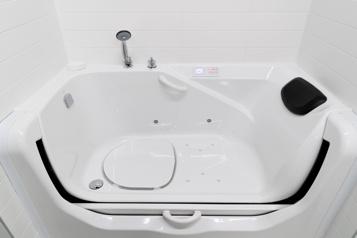 Une baignoire (vraiment) facile d'accès )