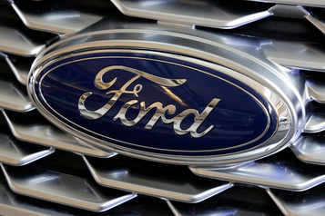 Tesla, Mercedes et Ford dénoncent en justice les taxes de Trump contre Pékin)