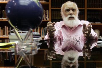 Décès du magicien James Randi)