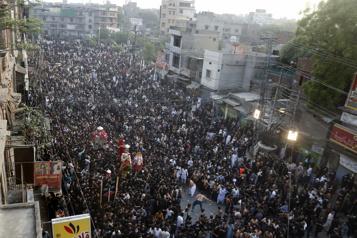 COVID-19 Rassemblement religieux de milliers de personnes au Pakistan)