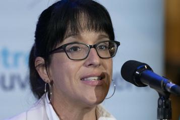 Québec reporte encore le retour au bureau des fonctionnaires)