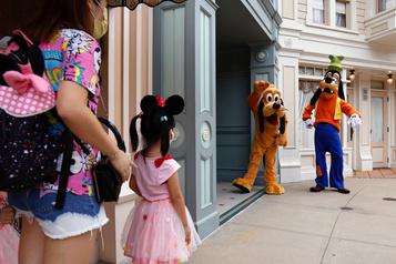 Disney annonce la suppression de 28000emplois aux États-Unis )