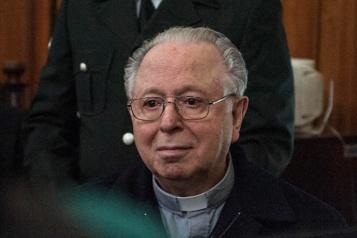 Chili Décès du prêtre défroqué Fernando Karadima, au cœur d'un scandale de pédophilie)