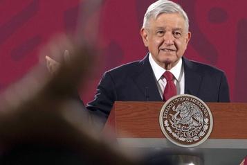 En pleine pandémie, le président mexicain rend visite à Trump)