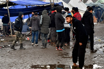 Bosnie: la «Jungle» fermée, près de 800 migrants transférés