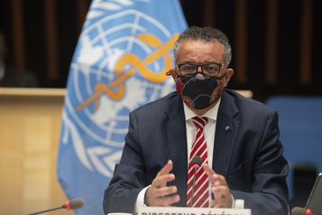Le chef de l'OMS met en garde contre le «nationalisme vaccinal»)
