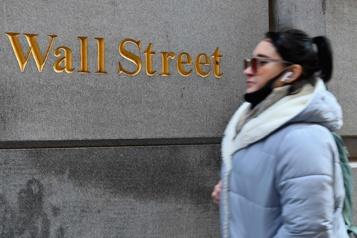 Les Bourses nord-américaines concluent une séance en dents de scie)