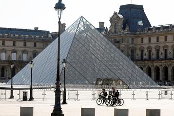 Le confinement génère plus de 10millions de visites sur le site du Louvre)