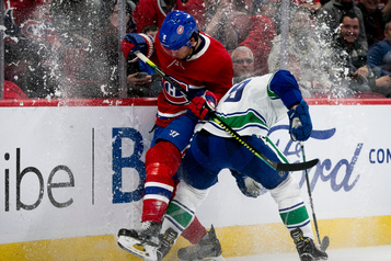 Les Canucks battent le CH 4-3 en prolongation